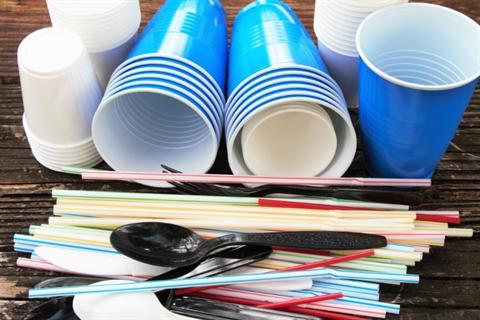 De qué trata el Proyecto de Ley que  prohibirá la entrega de  plásticos de  un  solo  uso?.